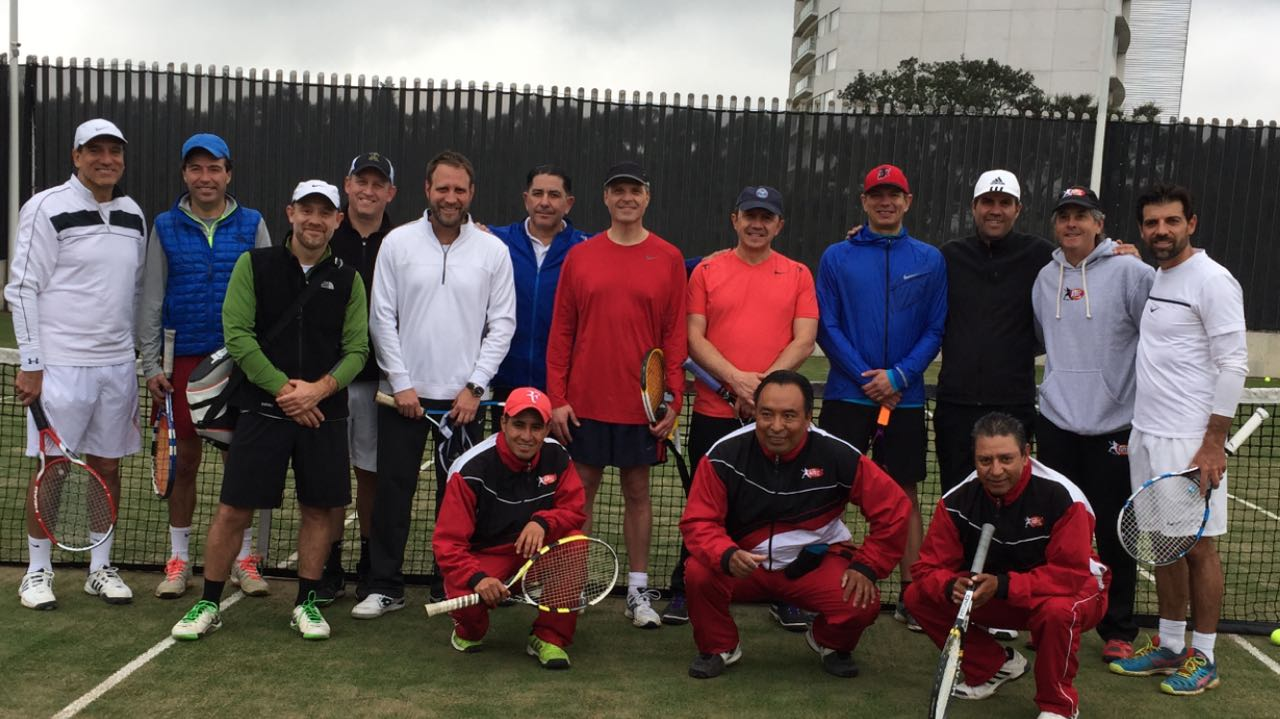 club-raqueta-cumbres-de-santa-fe